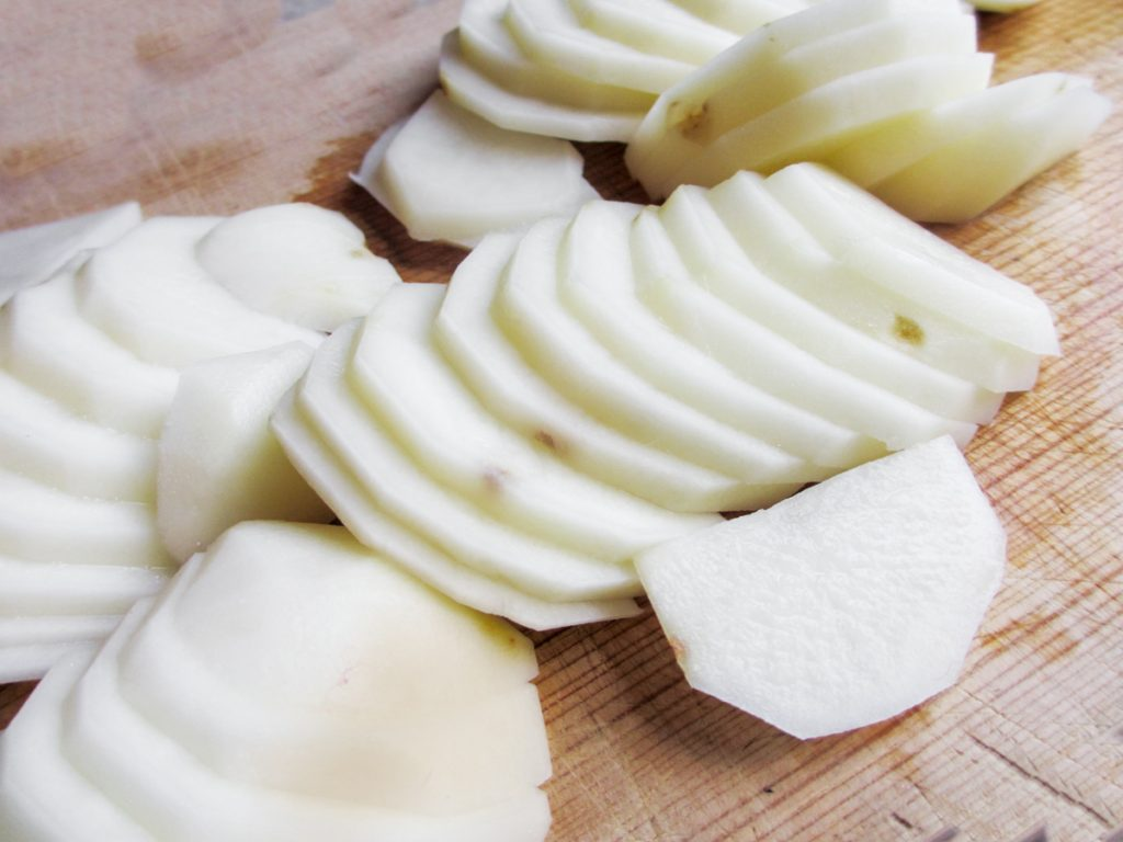 sliced potatoes for tortilla de patata