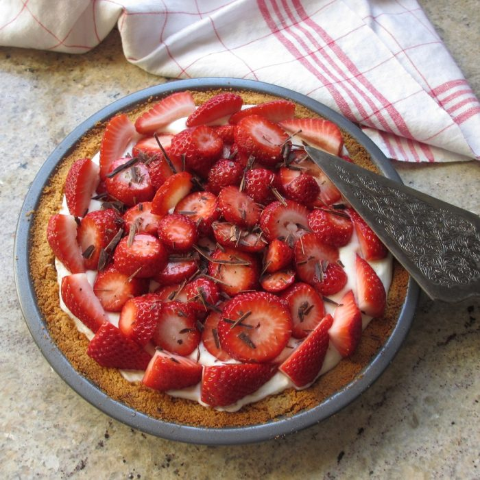 overhead view of gluten-free strawberry pie