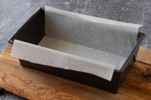 loaf pan with parchment liner